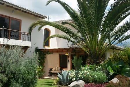Rento Casa en Checa - Quito
