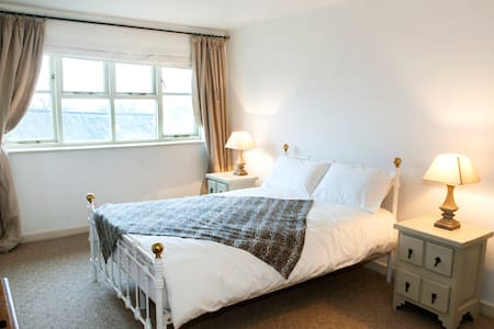 Cosy romantic or family cottage - Cotleigh - House