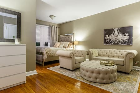 Our cool and comfortable studio is in the heart of Manhattan. The best location in NYC!!! Walking distance to Time Square, Museums, Central Park, tons of shopping & Rockefeller Center Christmas tree. This apartment is located in an elevator building.