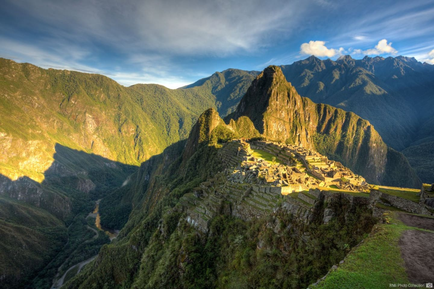 SUNRISE AT MACHUPICCHU