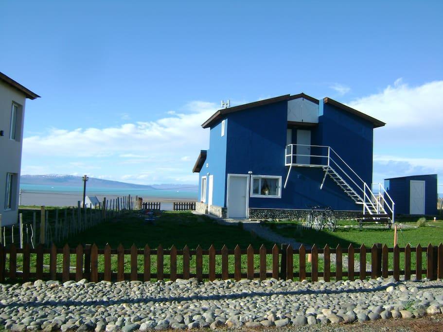 Casa Azul - Familia Patagónica: Una Casa. Un Lugar. Una Familia.
