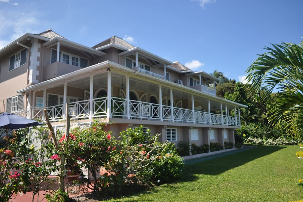 Stoneaway villa jamaica houses for rent in ocho rios for Cost of building a house in jamaica
