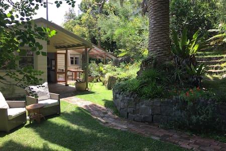 Original beach cottage - Killcare - Casa