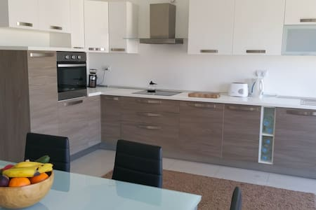 Luxury Apt Best Location Doble Room, Sliema - Sliema - Lejlighed