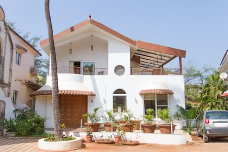 BEACH TOUCH 2BHK VILLA IN CANDOLIM - Candolim