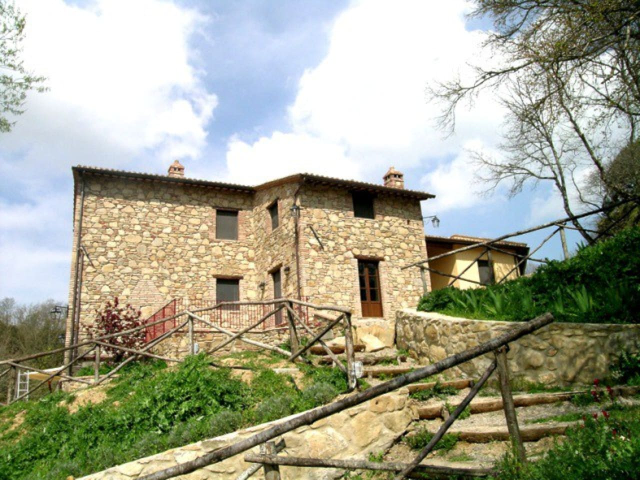 Il Casale is an elegant and characteristic villa.