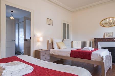 Room name La Groseille Family Room - Baigneux-les-Juifs
