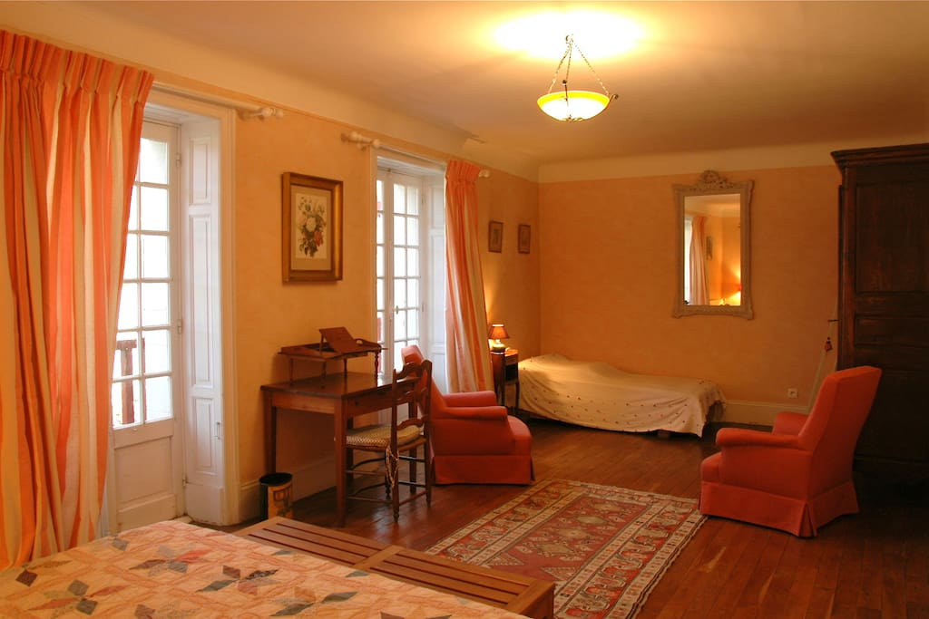 Chambre d 39 h tes pays basque bed breakfasts louer for Chambre d hotes pays basque