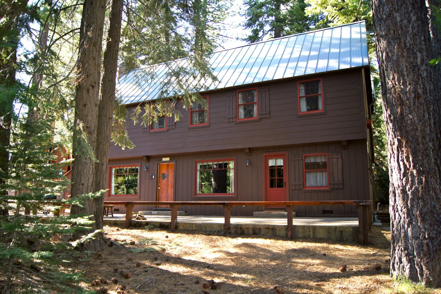 Roomy cabin with Old Tahoe 1940's vintage charm.  Desirable location near Squaw Valley, Alpine Meadows, and Homewood.  Walk one block to private Tahoe Park Association Homeowners' Beach:  3 acres of lakefront with 2 docks and many amenities.  Walking dist