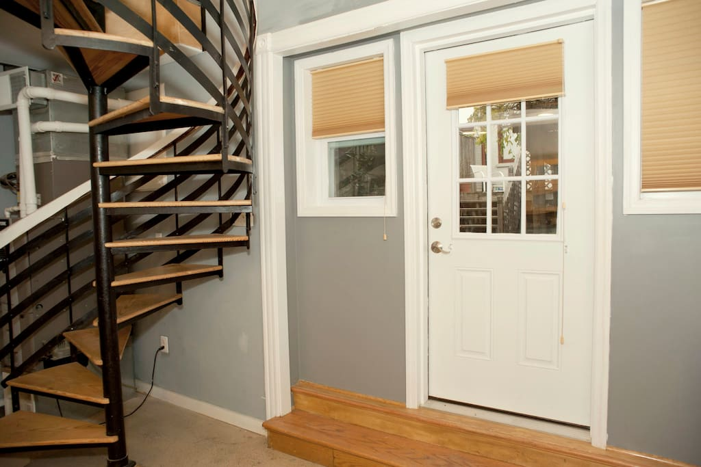 Entire Two Floor Carriage House