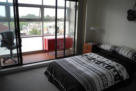 Modern Newtown Apartment