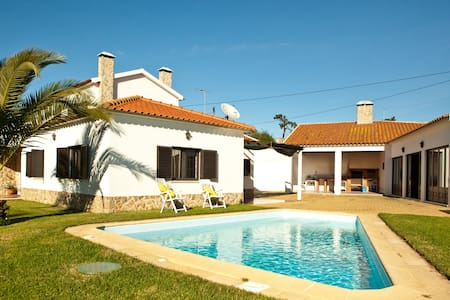 The Gorgeous Lisbon coast villa - Casa de camp