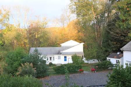 Charming Cottage w/Pastoral Views - New Milford