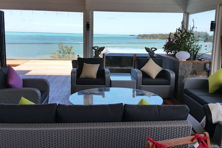 Front beach Penthouse with gorgeous sea - Lakás