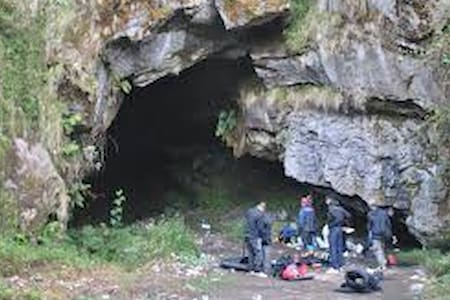 gua survival - Cirebon City - Cueva