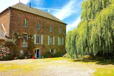 Superbe moulin breton rénové - Talo