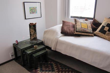 Cozy room for 1 person in col. Roma