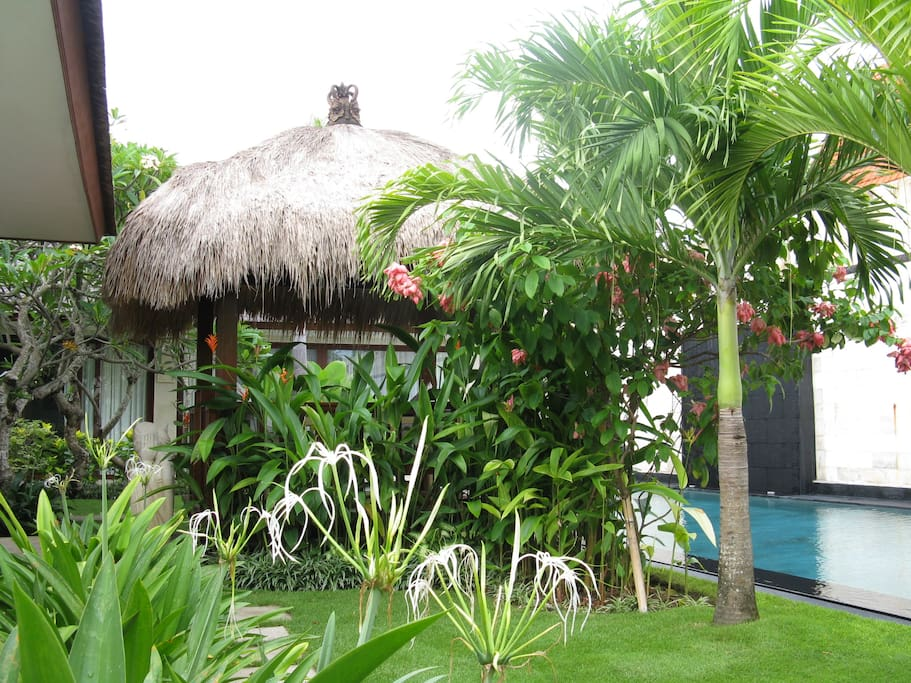 Bale from entry garden - a lush tropical retreat