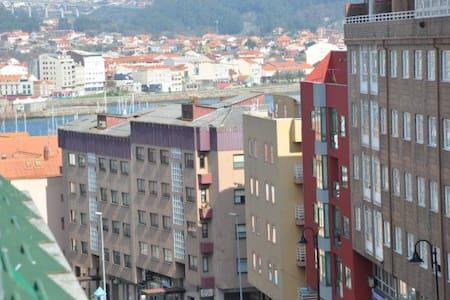 ATICO EN CANGAS DE MORRAZO - Wohnung