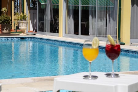 GuestHouse Pool&Sea Espinho Oporto - Dom