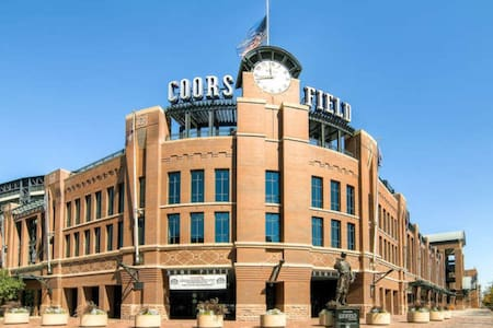 Fabulous Loft in heart of Ballpark - Denver
