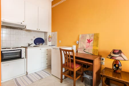 Central Small Flat - Greatest View - Thessaloniki - Apartment