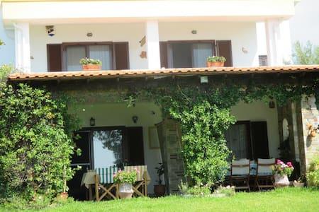 Ονειρεμένο σπίτι διακοπών, πρώτο στην θάλασσα - Nea Skioni - House