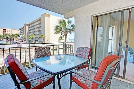 Emerald Isle 203-AVAIL 10/12-10/16 $506 -RJ Fun Pass*Buy3Get1FreeThru12.31*Okaloosa Isle- Beachfront - Appartement