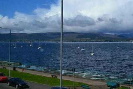 Beautiful Gourock Seaside Apartment - Apartament