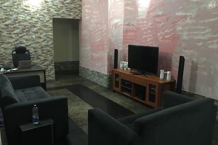 A Comfy Room in VGC, Ajah - Ajah - Apartmen