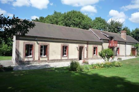 Maison  13 pers. 150 km de Paris - Casa