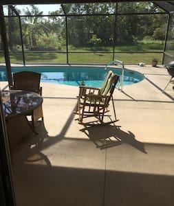 3 bdrm 2 ba Split plan with heated swimming pool - Sebastian - Casa