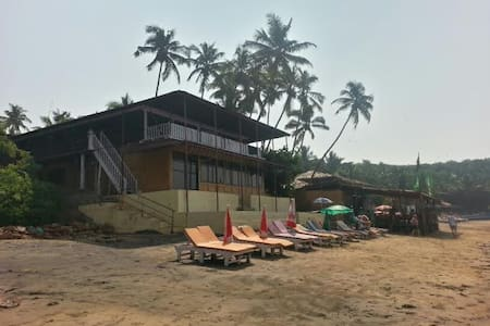 Cozy up with the sound of the waves - Anjuna Beach - Hütte