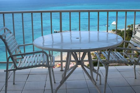 Ocean front 14th floor Mobay Club - Apartment