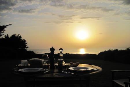 DIRECT OCEANFRONT, SETTING SUN - Piriac-sur-Mer
