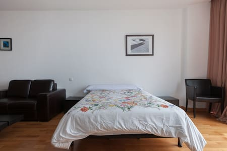 Cozy, modern and bright Studio with jacuzzy - Madrid - Pis