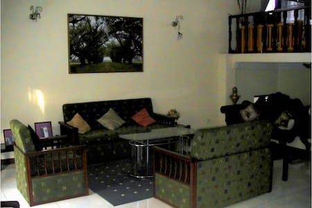 3BR Peaceful & Close to Nature  - Huis