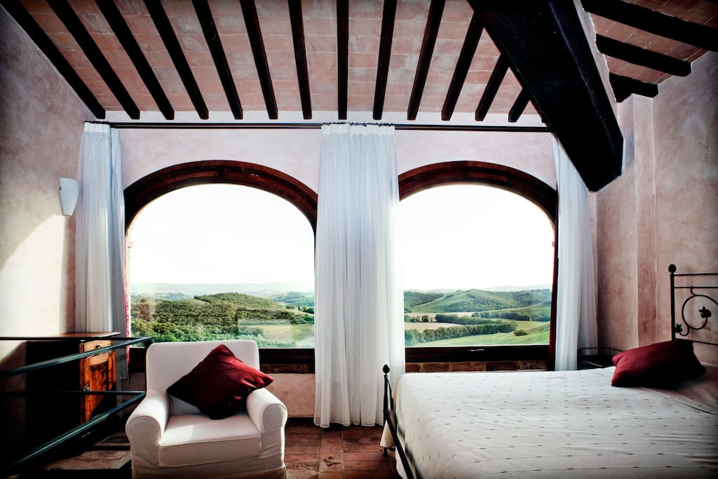 Detail of Suite 21 (A free floors suite with an amazing view over the Tuscan countryside)