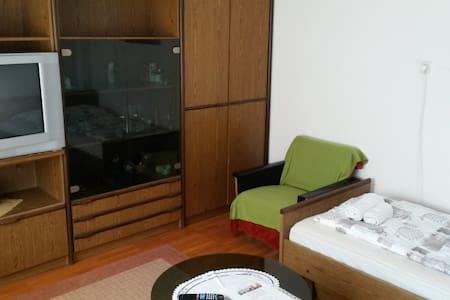 Rooms in the center of Cerknica - Cerknica - Bed & Breakfast