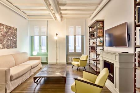 Luxury apartment in SPANISH STEPS