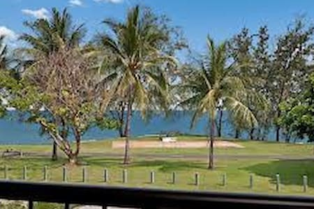 Seafront Location-Amazing Sunsets-close to shops - Darwin - Apartment
