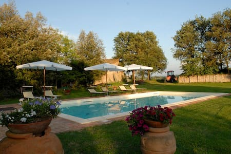 Farmhouse with pool (Rosmarino)