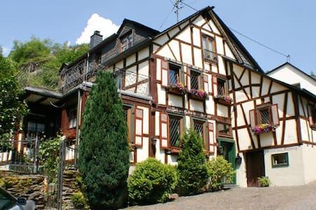 Haus Stahlberg Bed&Breakfast 3BZ + Balkon - Bed & Breakfast