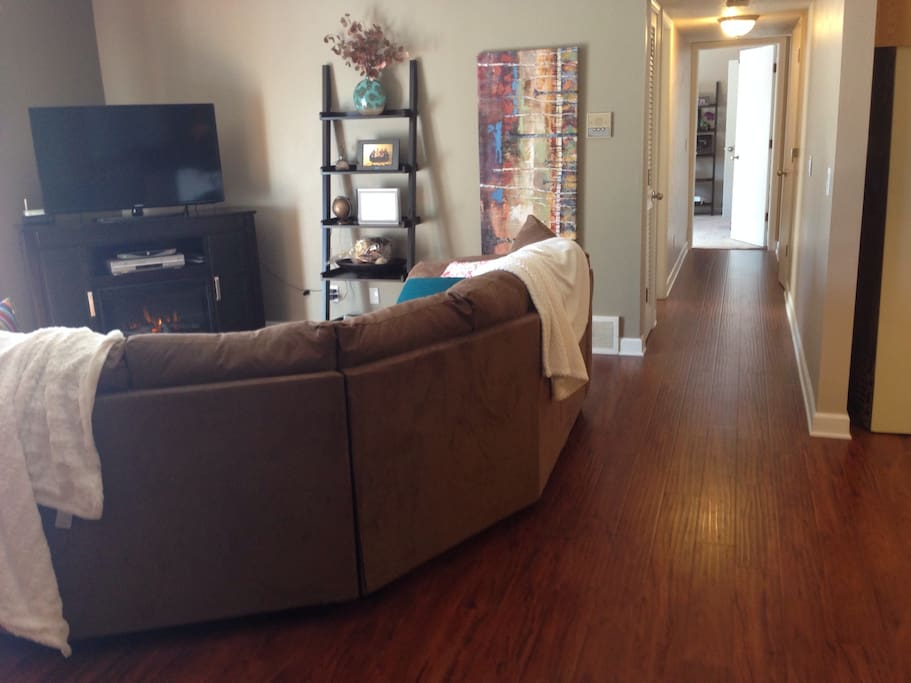 Updated 2 bed/2 bath in prime wdm!