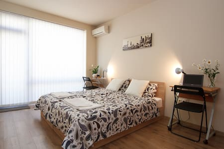 Poppy apartment - 5min to Sea Garden,Center,Beach - Apartamento