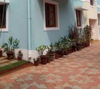 8 -Holy Cross Home Stay's - Studio Apartment Goa. - Lakás