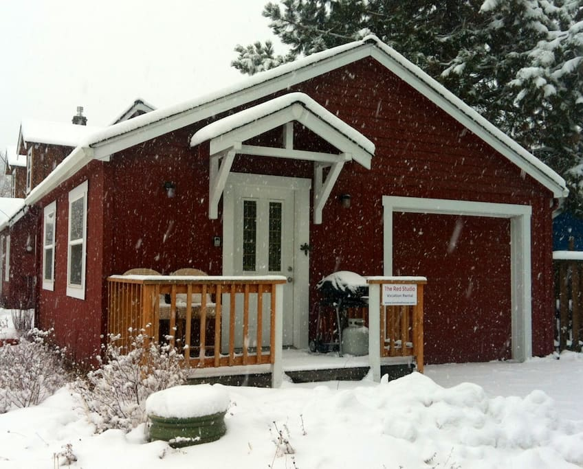 The cute little studio during a winter snow!  Cozy as can be!