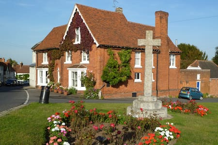 Bucks House - Historic Grade II listed house - Great Bardfield