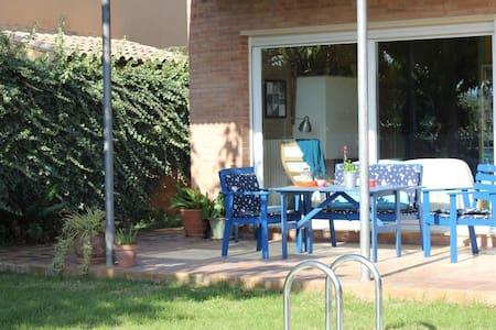 Casa en el Empordà  con piscina - Parlavà - Casa