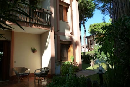 villa in parco - Baia Domizia